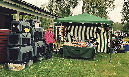 Sylvia Ljung är väl utrustad när hon säljer på mässor och utställningar.